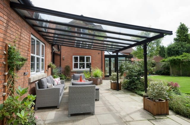 Brightspace Veranda with Roof overhang